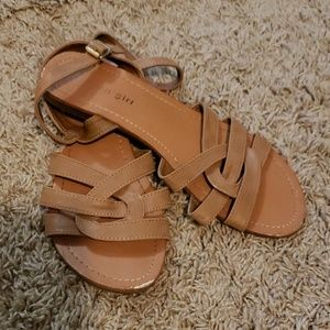 """Madden girl """"twizzle all"""" tan sandals size 8"""